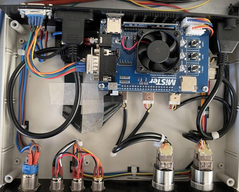 [WIP] : MiSTer FPGA dans un boitier custom 059ba510