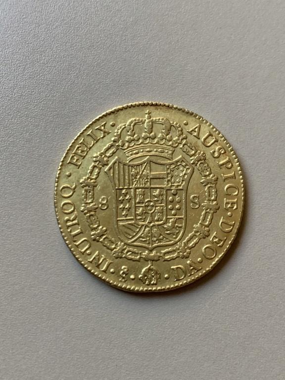 8 escudos de Carlos III de 1777, Santiago Img_9311