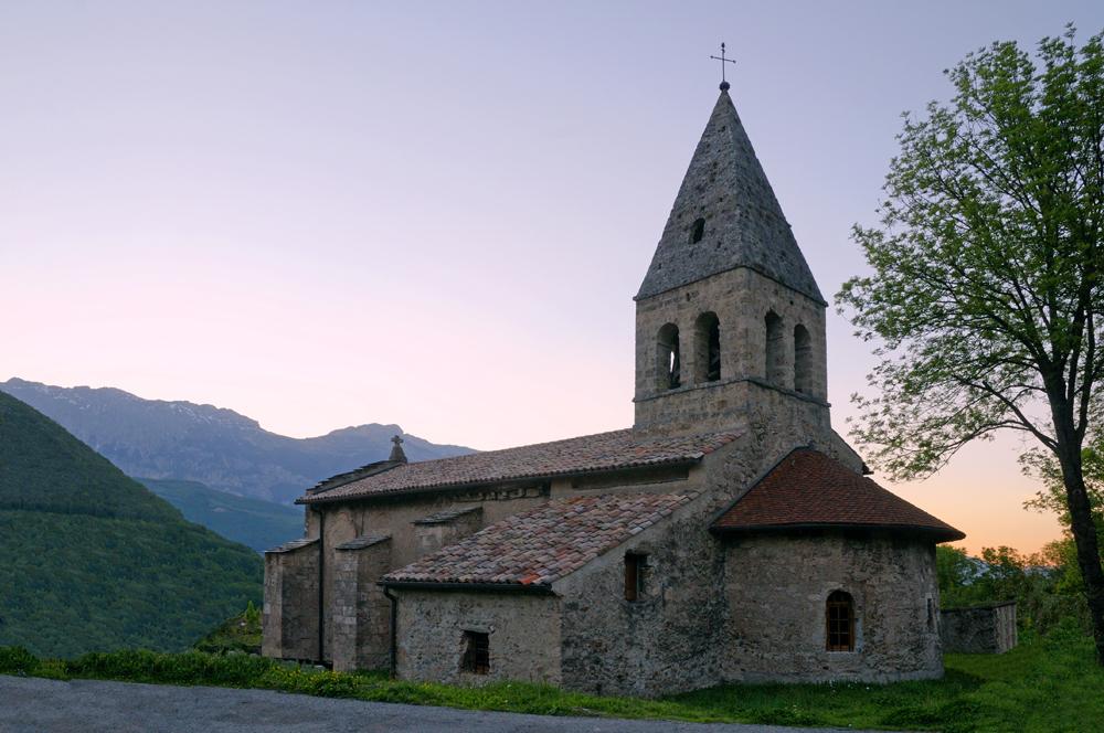 [Architecture et Graphisme] Chapelle au coucher du soleil - Page 2 1000_031