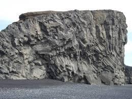الصخور البازلتية Tzolz148