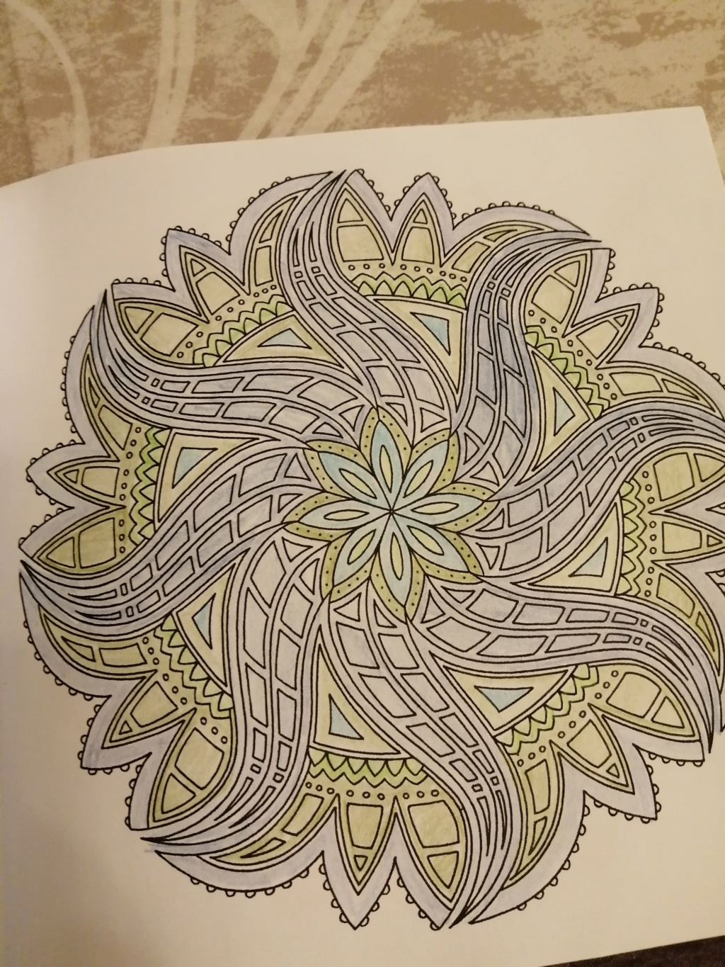coloriage anti-stress pour adulte - Page 16 00613