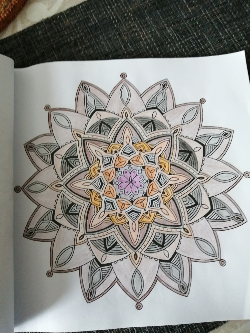 coloriage anti-stress pour adulte - Page 16 6010