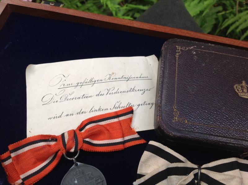 Petit group des Medaille Allemand du 1870 - 1871 pour une dame  Foto_313