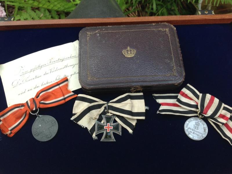 Petit group des Medaille Allemand du 1870 - 1871 pour une dame  Foto_314