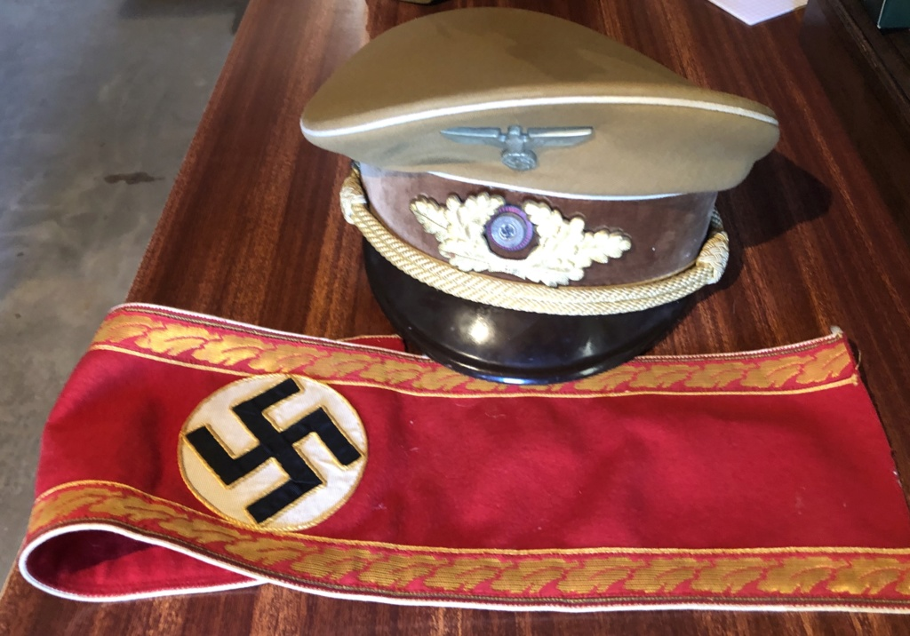 casquette nsdap et casque allemand ss Img_e810