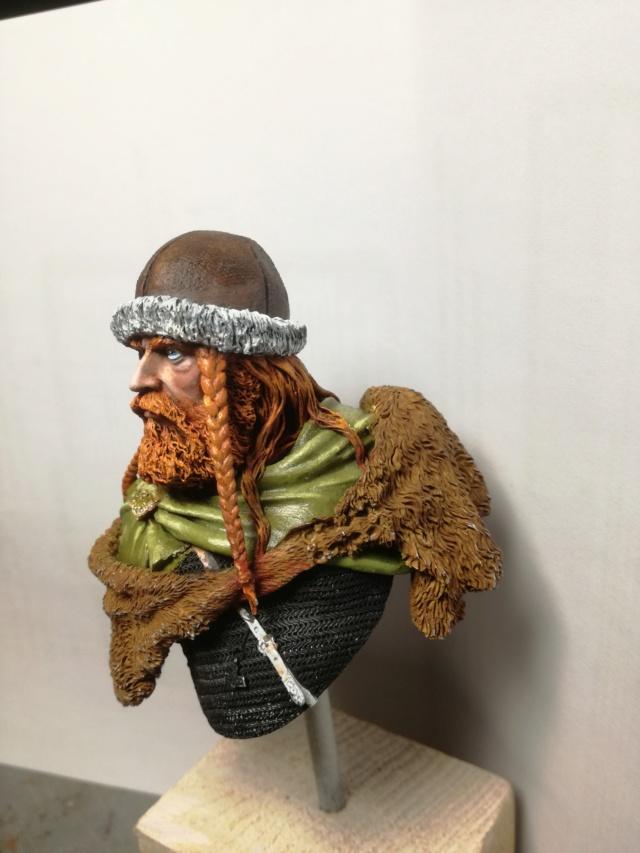 Buste Viking (1er peinture a l'huile) Img_2030