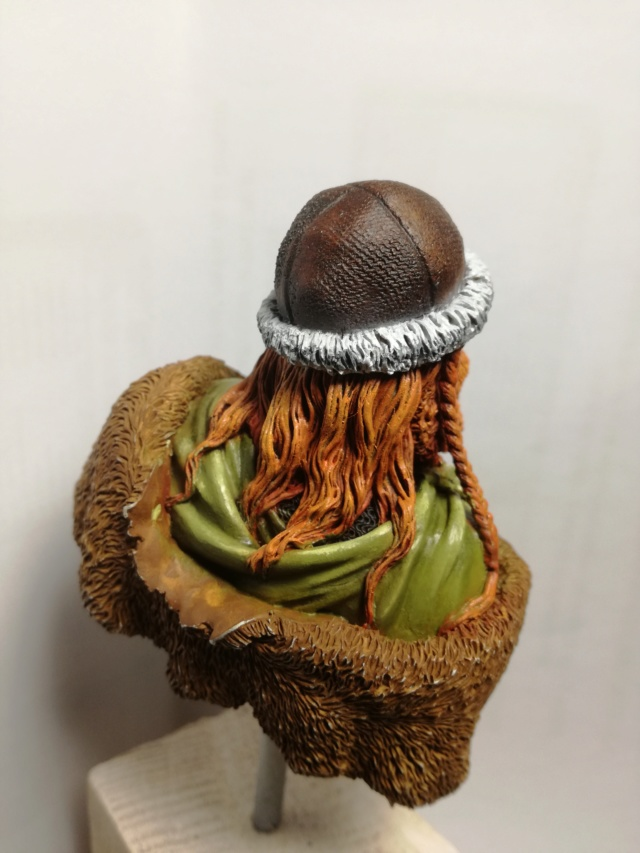 Buste Viking (1er peinture a l'huile) Img_2031