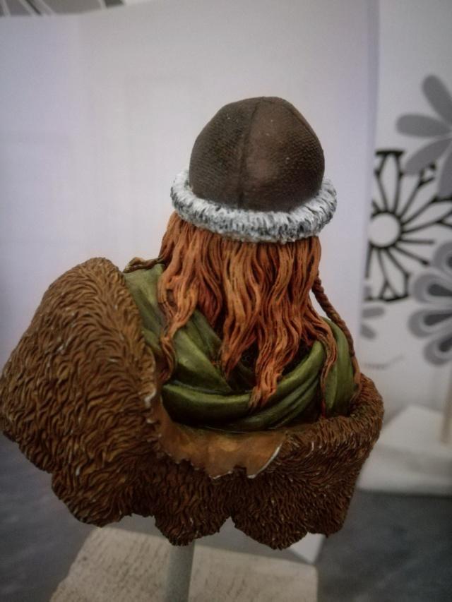 Buste Viking (1er peinture a l'huile) Img_2032