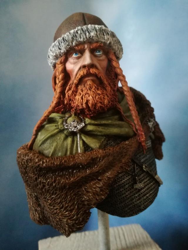 Buste Viking (1er peinture a l'huile) Img_2035