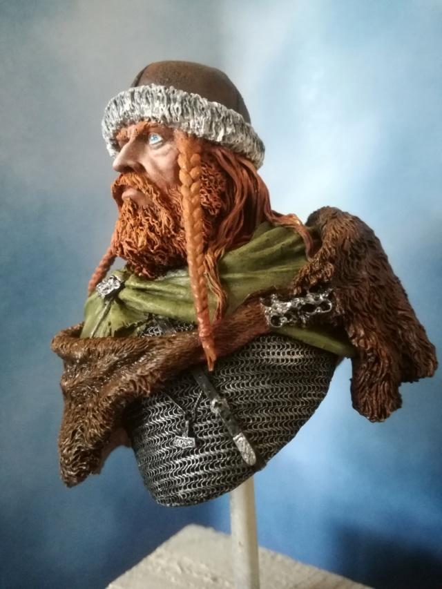 Buste Viking (1er peinture a l'huile) Img_2036
