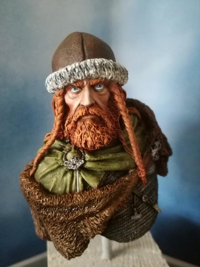 Buste Viking (1er peinture a l'huile) Img_2037