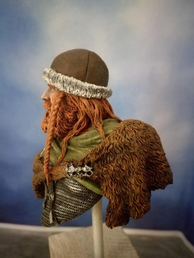 Buste Viking (1er peinture a l'huile) Img_2043