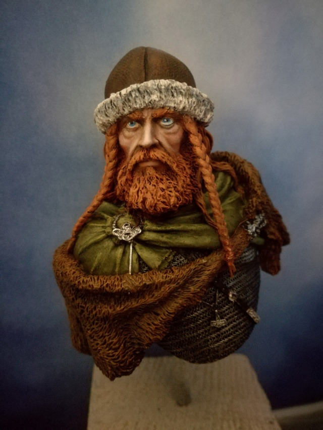 Buste Viking (1er peinture a l'huile) Img_2044