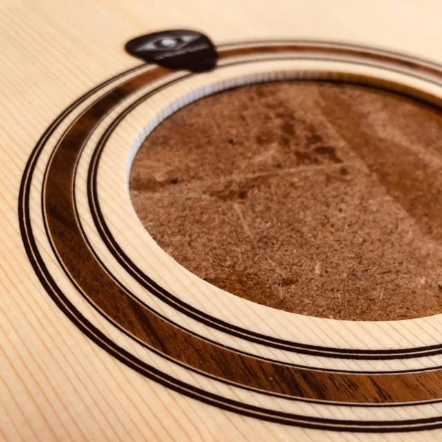 La Réselle guitares : un luthier suisse prometteur ! - Page 2 Img-2025
