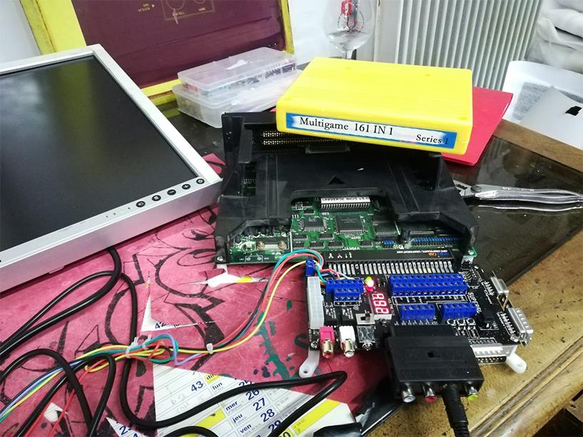 Slot MVS SCART--> VGA ou S-video Slot_m10