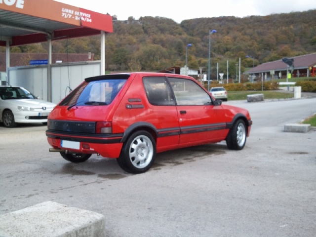[julGTI] - 205 GTI 1L9- Rouge Vallelunga - 1989 211