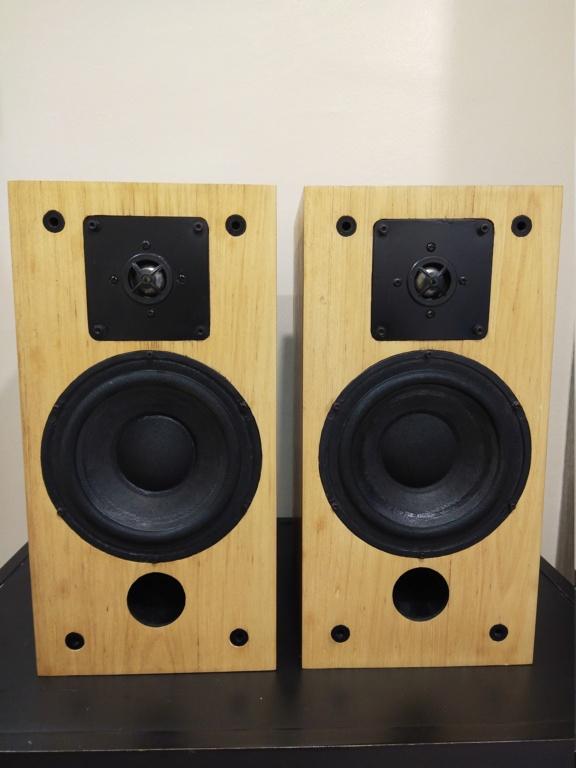 (sold) Proac studio 1 bookshelf speaker  Img_2010