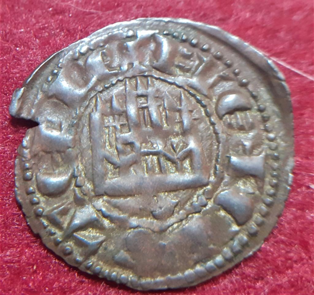 Dinero de Fernando IV. Emisión 1297. Sevilla (S tumbada) 20210515