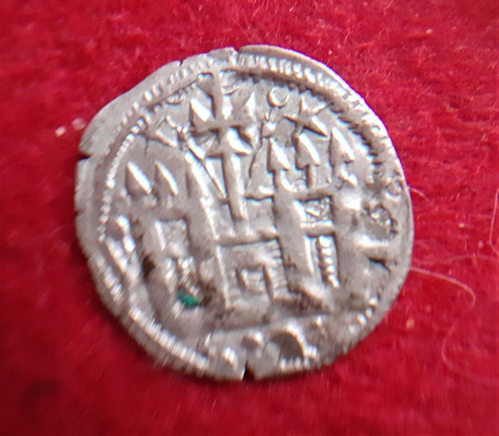 Dinero burgales de Alfonso VIII , estrellas 20210539