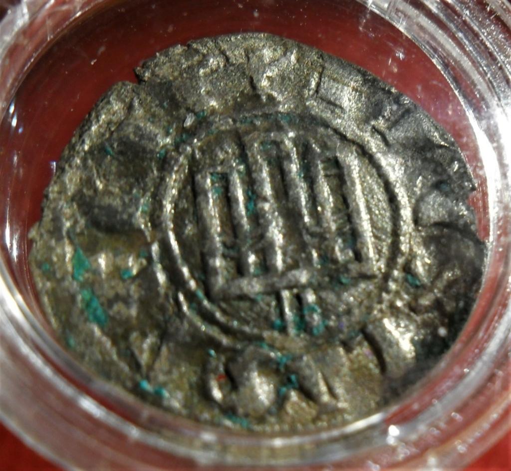 Dinero de Fernando IV. Emisión 1297. Burgos Sam_0510