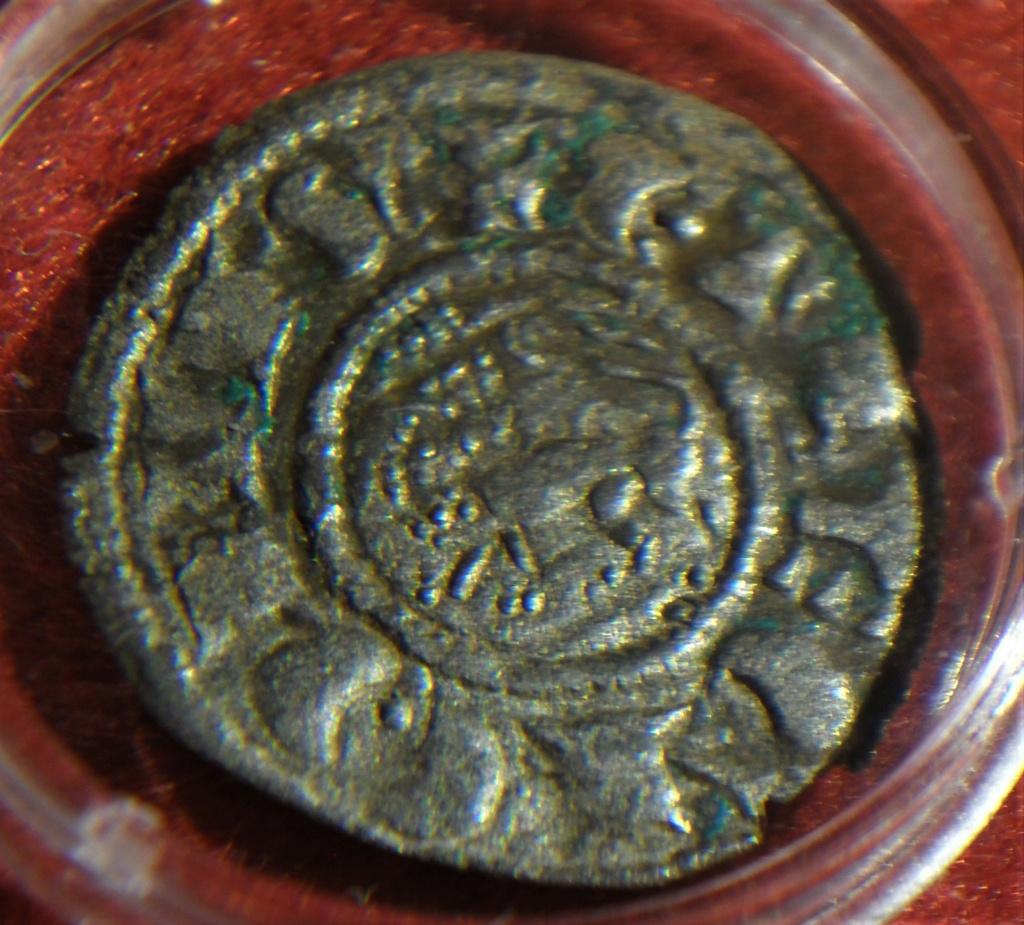 Dinero de Fernando IV. Emisión 1297. Burgos Sam_0511
