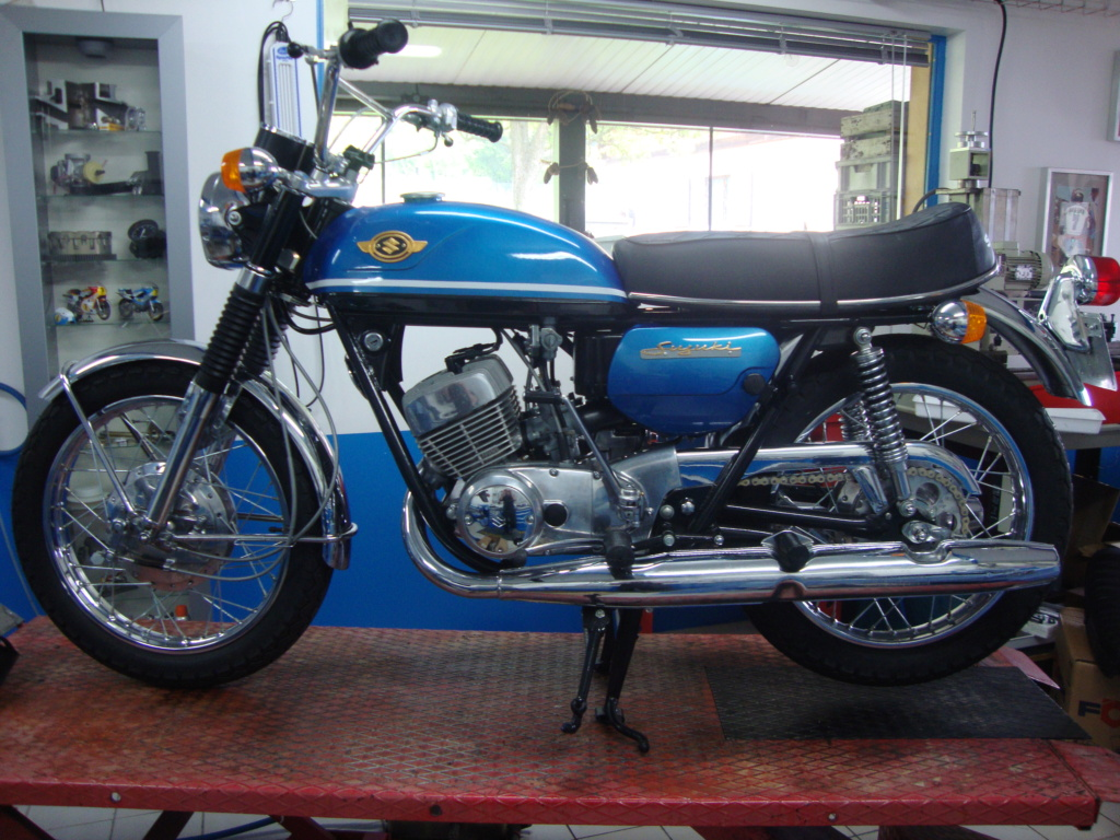 Suzuki T350 Dsc03710