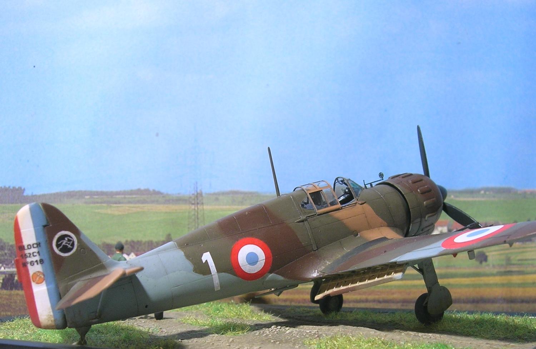 Bloch MB152 bataille de France 1/72 Mb152_86