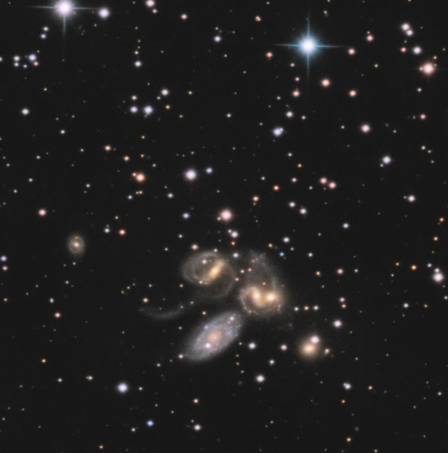 Deer lick Group & le Quintet de Stephan Ngc73311