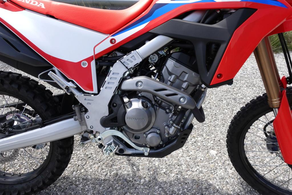 Modifs et accessoires Honda 300 CRF-L - Page 2 Dsc00411