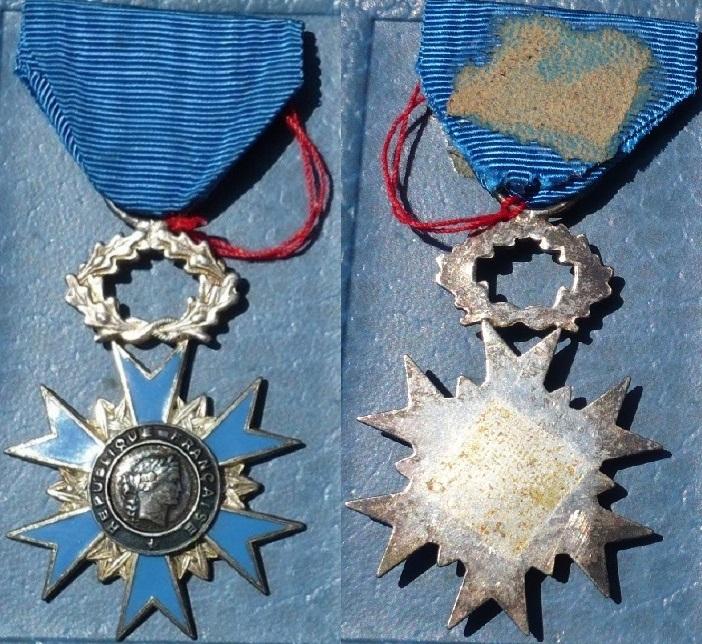 Médailles de chevalier de l'ONM P1130341
