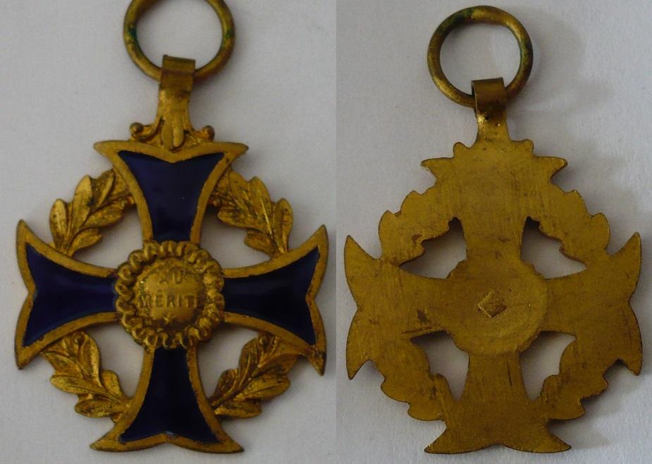 Médaille au mérite  P1130416