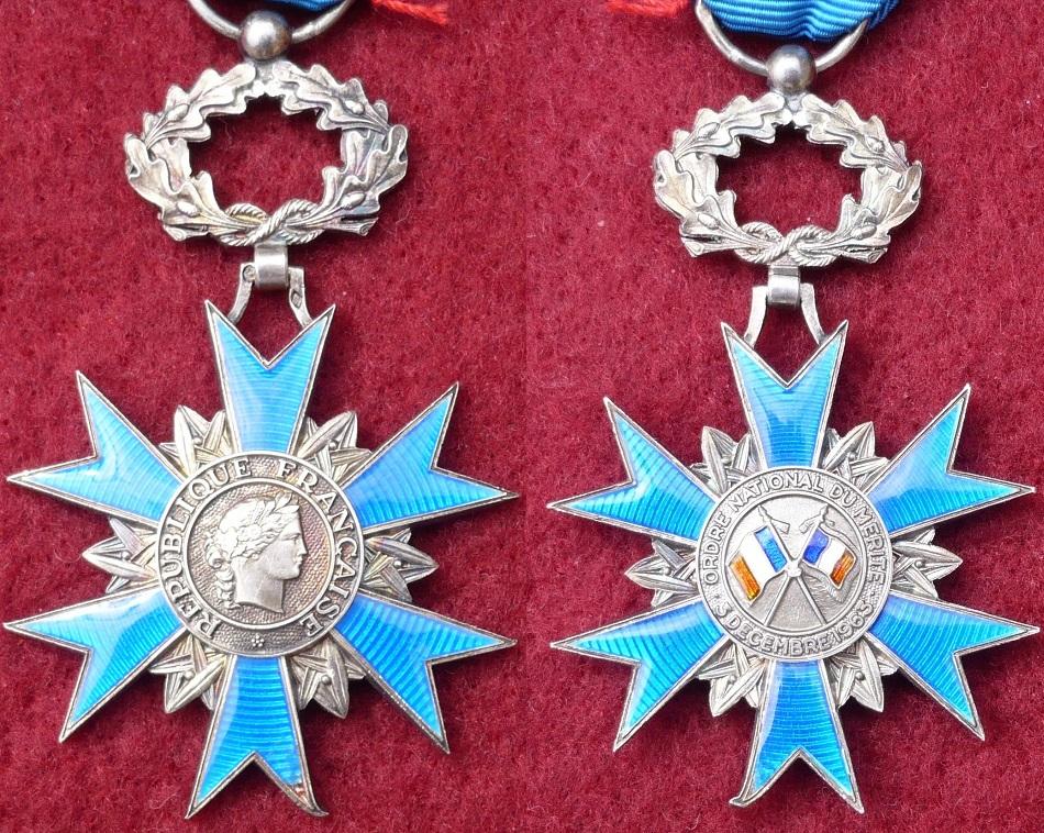 Médailles de chevalier de l'ONM P1150018