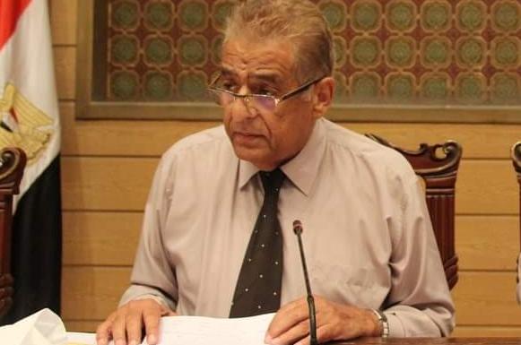 ابراهيم شاهين وكيل اول نقابه المعلمين يحذر الحكومة من إجهاض تصريحات الرئيس التي أنصفت المعلمين 0251010