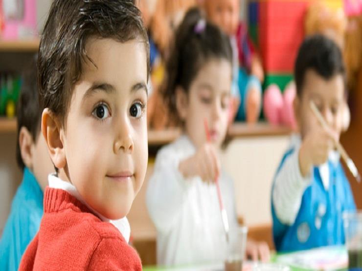 """الكمامة وقلم خاص شرط الحضور.. """"التعليم"""" تحدد أوراق التقديم لرياض الأطفال بالمدارس التجريبية 11776810"""