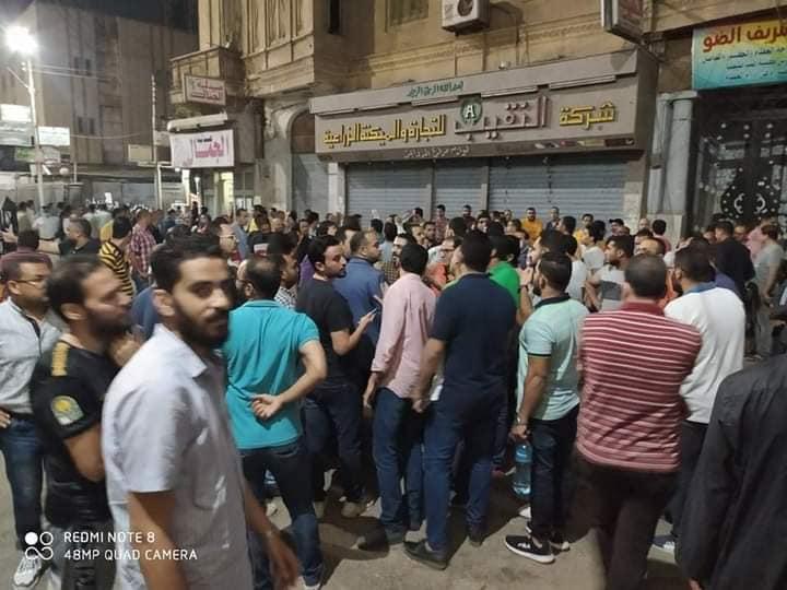 """طنطا - تجمع المعلمين للإفراج عن زميلهم المحبوس """" بسبب الدروس """" 11878710"""