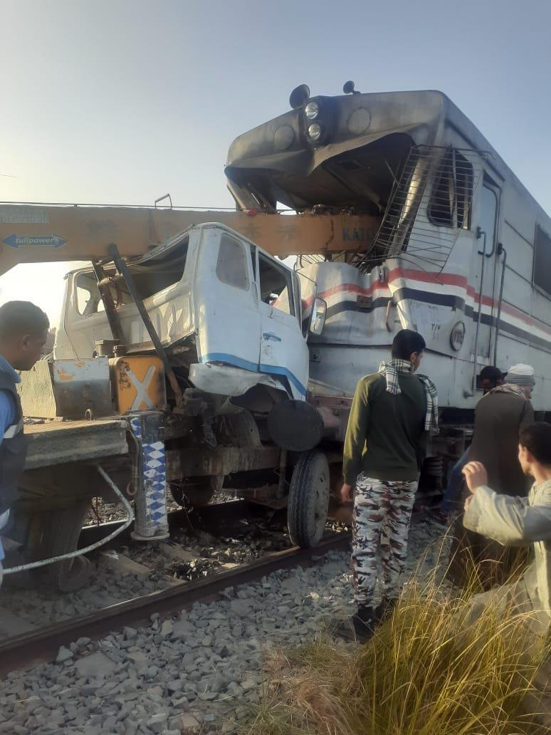 تفاصيل حادث تصادم  القطار بأسيوط (و الضحايا حتى الآن ) 14603310