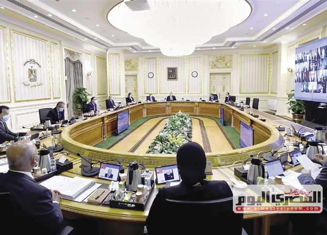 بشكل نهائى - الحكومة توافق على إقرار علاوتين للعاملين بالدولة 15034810