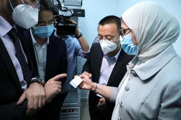 """شاهد أول صورة.. لقاح كورونا الصيني """"بمشاركة متطوعين مصريين"""" 19665110"""