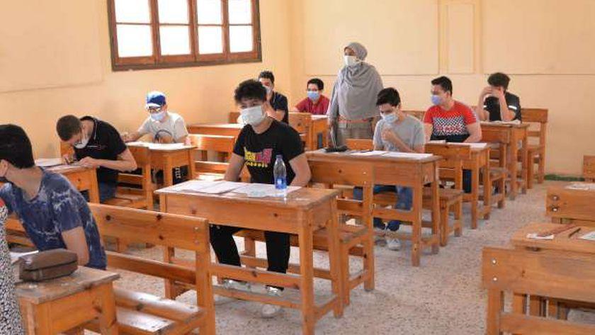 «التعليم»: لم نرصد تسريبا لامتحانات الإعدادية حتى الآن 20195610