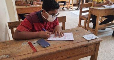 """""""  بنفس مواصفات التابلت""""التعليم: امتحانات الترم الثانى للأول والثاني الثانوي تعقد ورقيا بالمدارس 20200665"""
