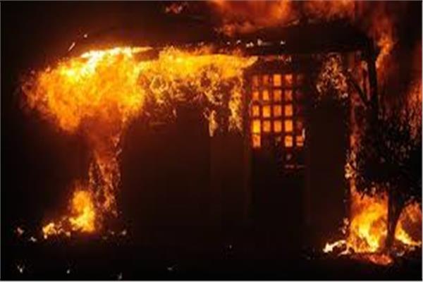 عاجل - حريق هائل في مكة والسلطات تضطر لعزل المنطقة 20200830