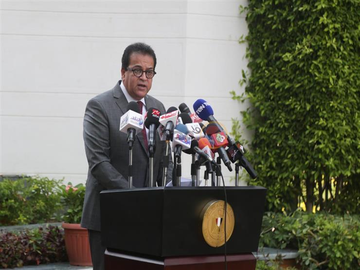 وزير التعليم العالي يكشف أيام حضور الطلاب بالجامعات  2020_813