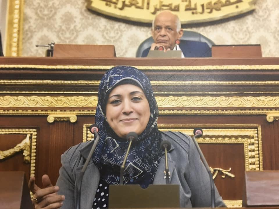 سيادة النائبة ثريا الشيخ تندد بما يحدث من محاولة إزلال المعلمين 3120810