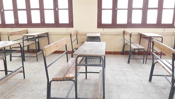 امتحانات الثانوية العامة  رؤساء اللجان والمراقبون يتسلمون المدارس صباح غدآ 45610