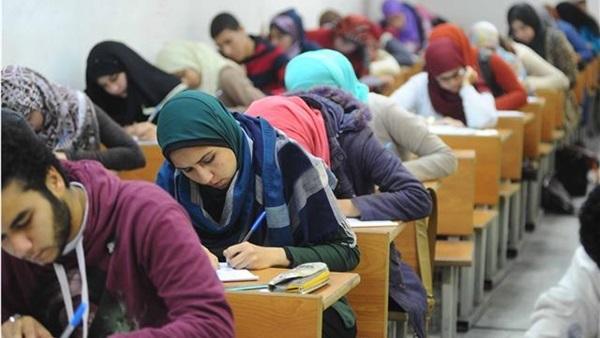 بدء امتحان الجبر والهندسة الفراغية لطلاب الثانوية العامة «دور ثاني» 5011