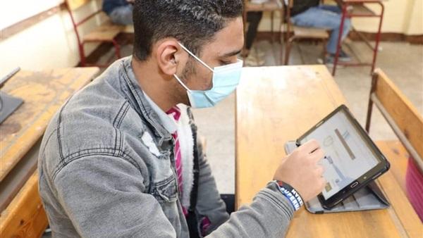 اليوم طلاب الثاني الثانوي يؤدون امتحان مادتي اللغة العربية والجبر وحساب المثلثات 59410