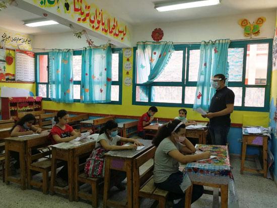 اليوم بدأت رسميًا  مجموعات التقوية ببعض مدارس كفر الشيخ 69194-10