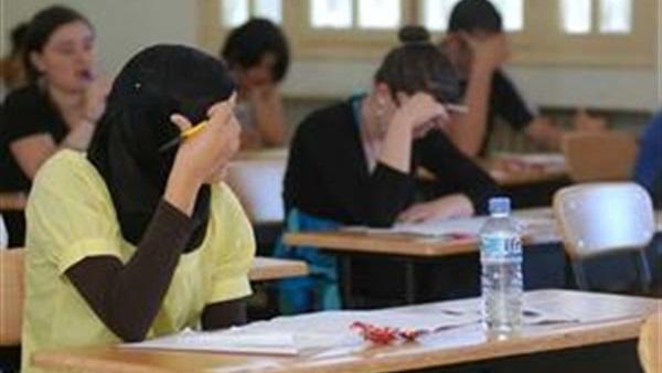 حجازى رئيس امتحانات الثانوية: مراعاة الطلاب في التصحيح لظروف البلاد 81610