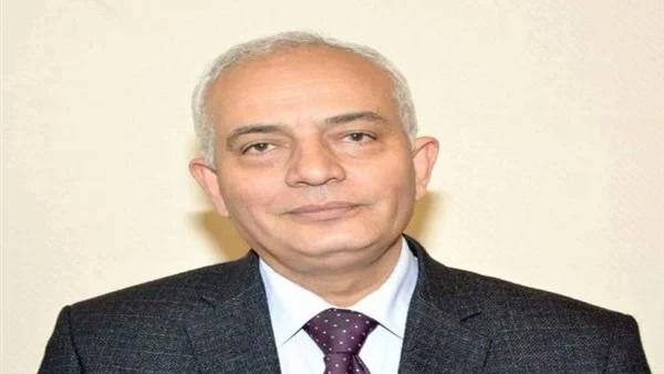 دكتور رضا حجازى - نسبة النجاح فى اللعة العربية للثانوية العامة ستتجاز95% 939_1_10