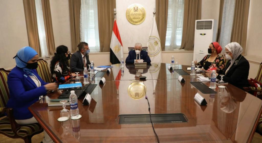 """""""شوقي"""" يبحث سبل التعاون مع منظمة يونسيف في مصر دعم عملية إصلاح المناهج  95512"""